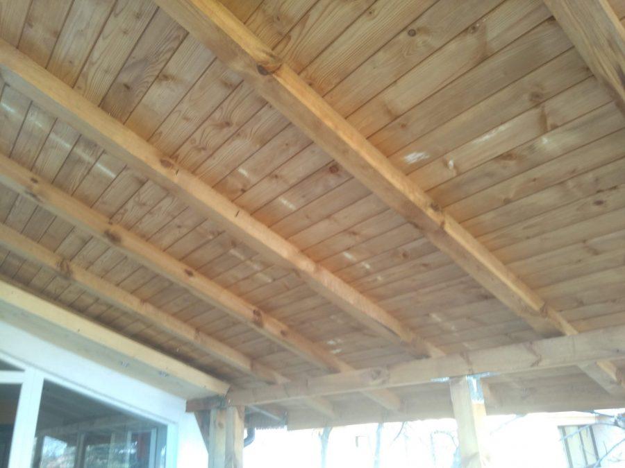 Удължаване на навес с импрегниран дървен материал